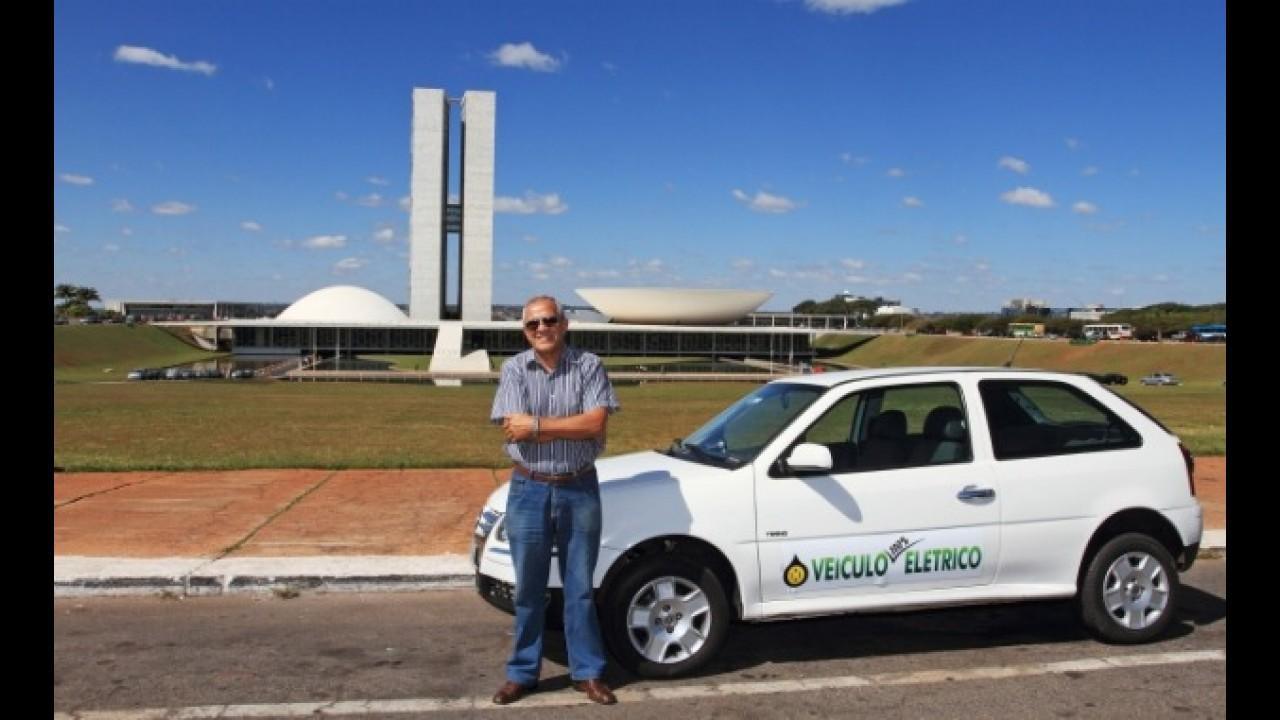 Engenheiro quer popularizar carro elétrico no Brasil