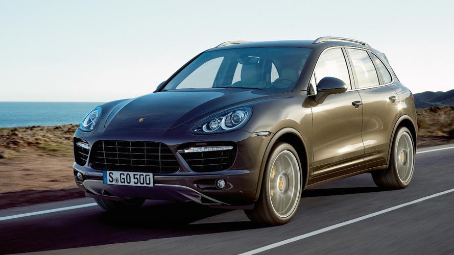 Porsche é acusada de usar posição do volante para burlar emissões