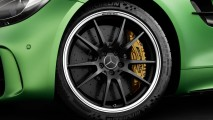 Novo AMG GT R: fera verde criada em Nürburgring chega a 100 km/h em 3,5s
