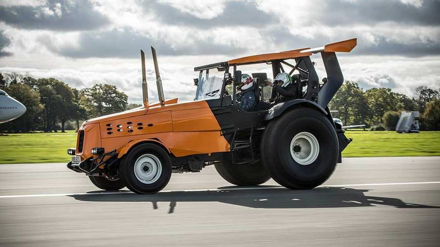 The Stig Sets World Record For Fastest Tractor By Doing 87.2 MPH