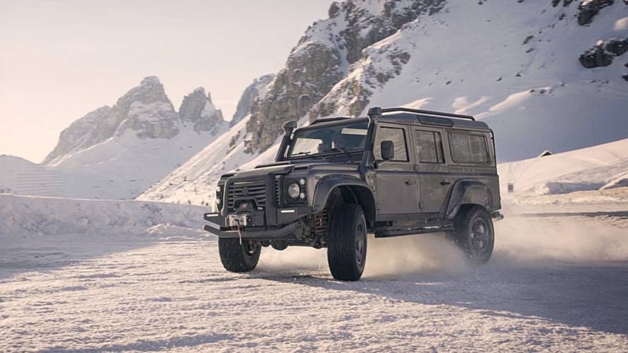 Land Rover Defender by Ares Design, special all'italiana