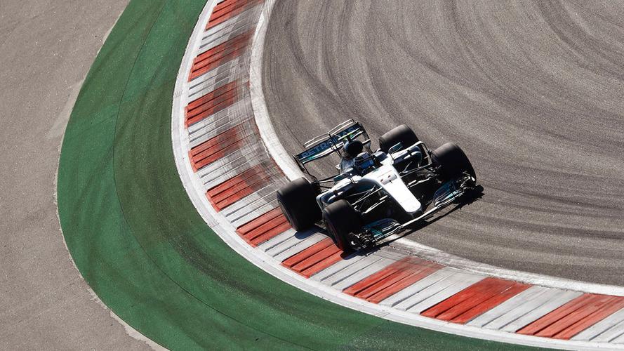 Bottas logra su primera victoria en F1, tras soportar la presión final de Vettel