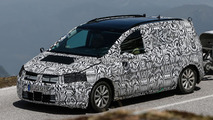 2015 Volkswagen Touran spy photo