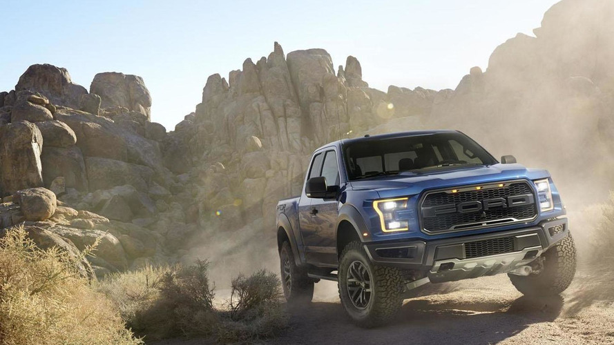 2017 Ford F-150 Raptor's V6 EcoBoost engine makes 450 HP
