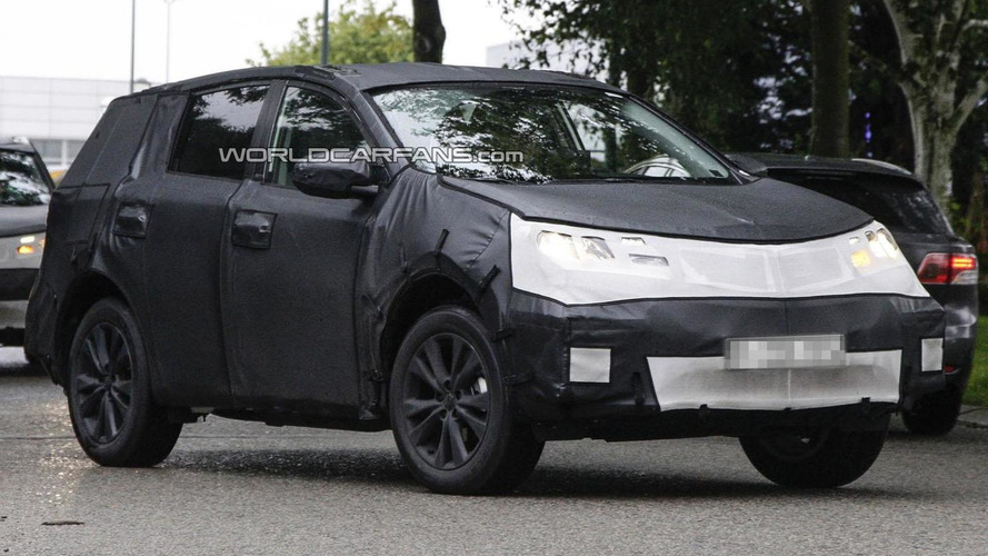 2014 Toyota RAV4 spied undergoing testing
