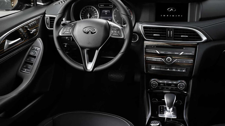 Infiniti Q30 returns in two interior shots