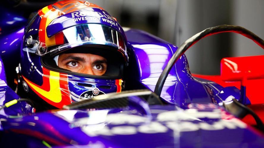 Red Bull, dispuesto a escuchar ofertas por Carlos Sainz