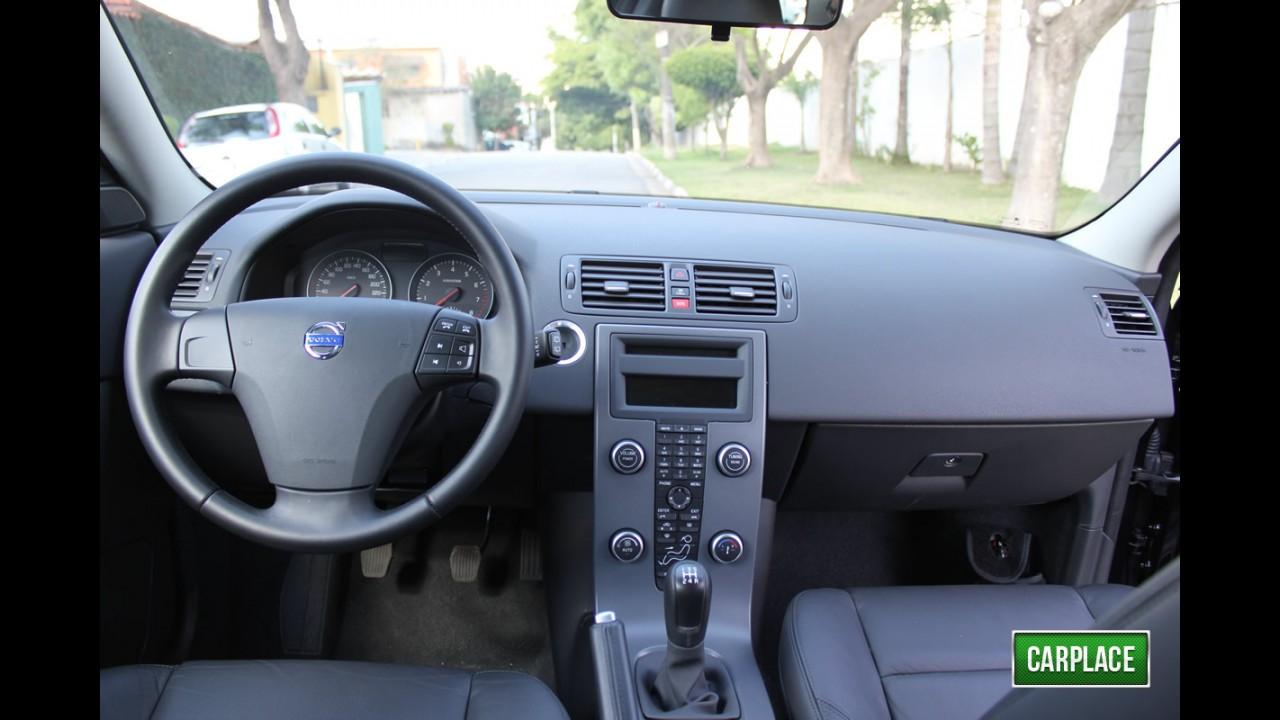 Garagem CARPLACE: Detalhes internos do Volvo C30 2.0 - Fotos em alta resolução