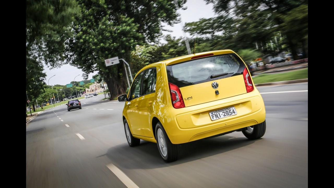 Teste CARPLACE: VW up! I-Motion dá descanso ao pé esquerdo, mas ainda soluça