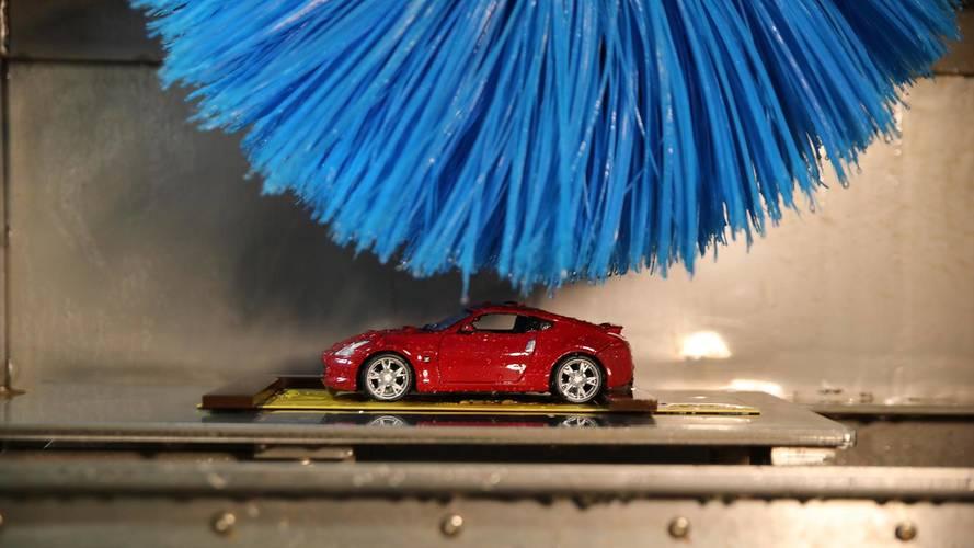 Nissan, boyaları test etmek için minyatür araç yıkama makinesi geliştirdi