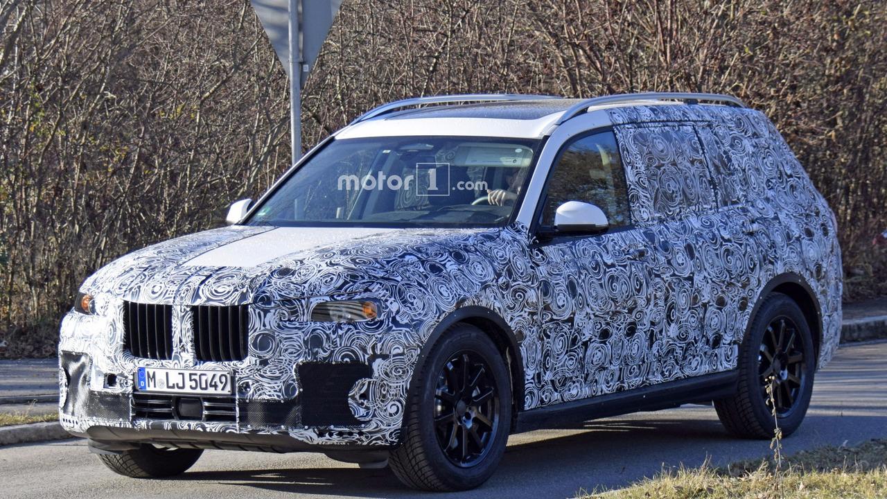 BMW X7 Spy Shots on Road