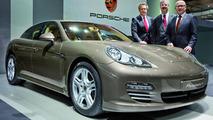 Porsche Panamera 4 live in Beijing 23.04.2010