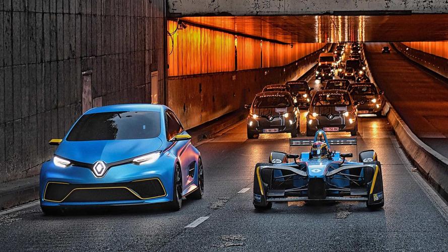 Renault Zoe e-Sport konsepti ve Formula E aracı Paris'te turluyor