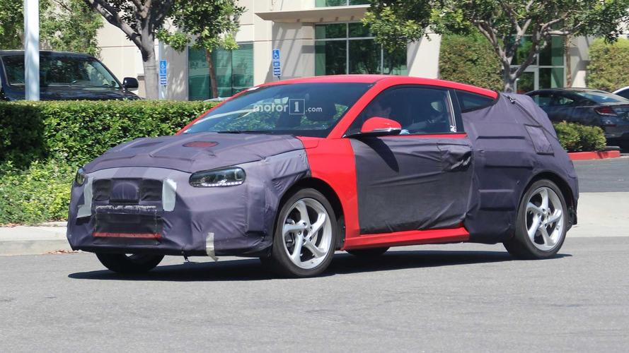 Flagra! - Hyundai Veloster 2019 é pego em testes na Califórnia
