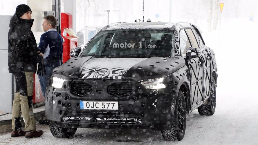 2018 Volvo XC40 spy photos