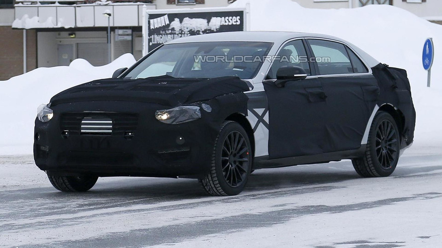 2016 Hyundai Equus spied up close in northern Scandinavia
