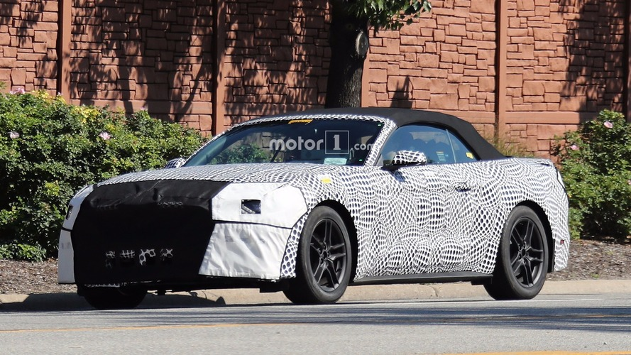 Photos espion - Ford Mustang Cabriolet 2018