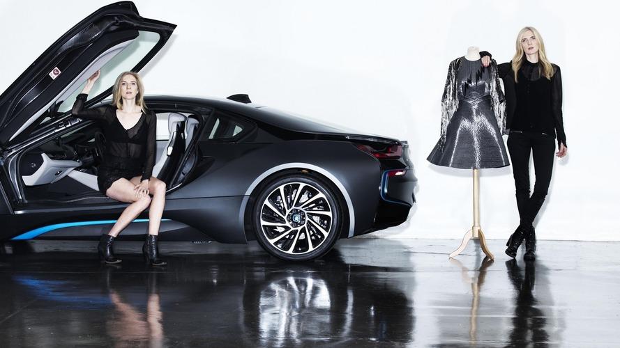 Une robe en fibre de carbone inspirée par la BMW i8