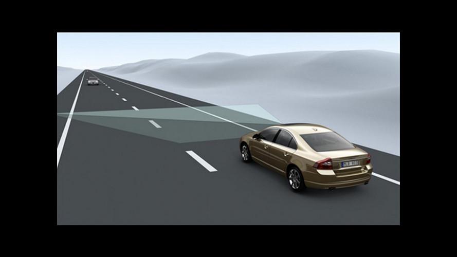 Volvo presenta l'allarme di collisione Auto Brake