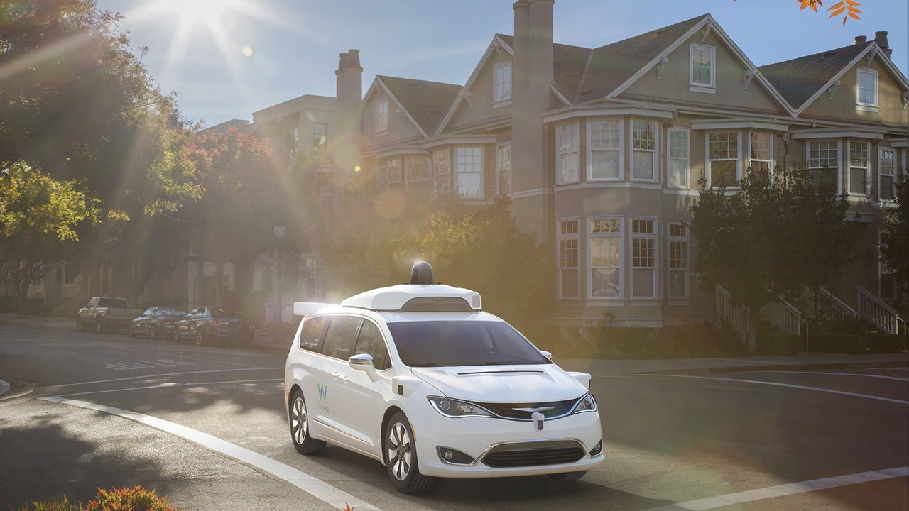 Google'ın sürücüsüz Waymo Chrysler Pacifica Hybrid'leri
