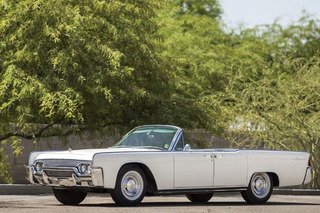 Jackie Kennedy's 1961 Lincoln Continental Convertible Heads to Auction