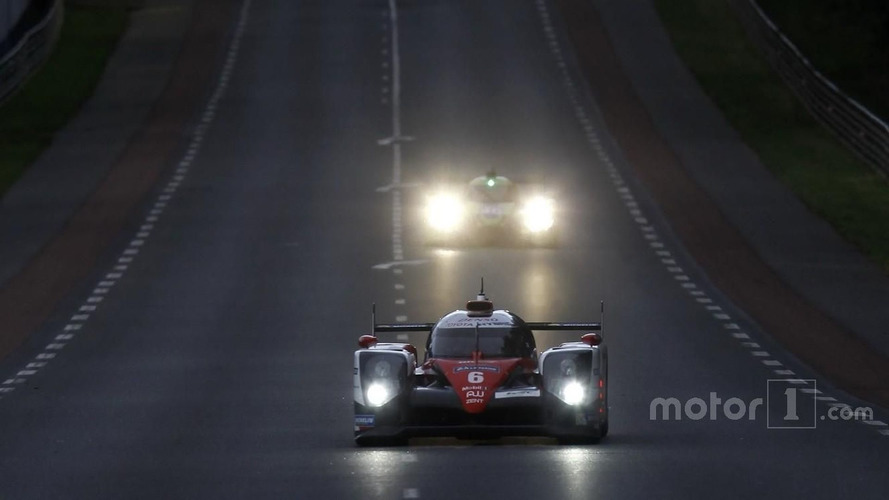 Toyota controls Le Mans at half-distance