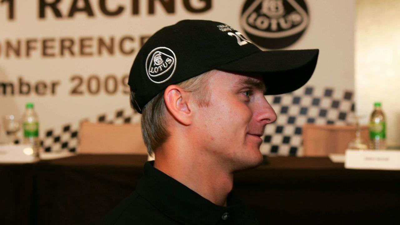 Heikki Kovalainen at the Lotus F1 Racing Driver Announcement, 14.12.2009