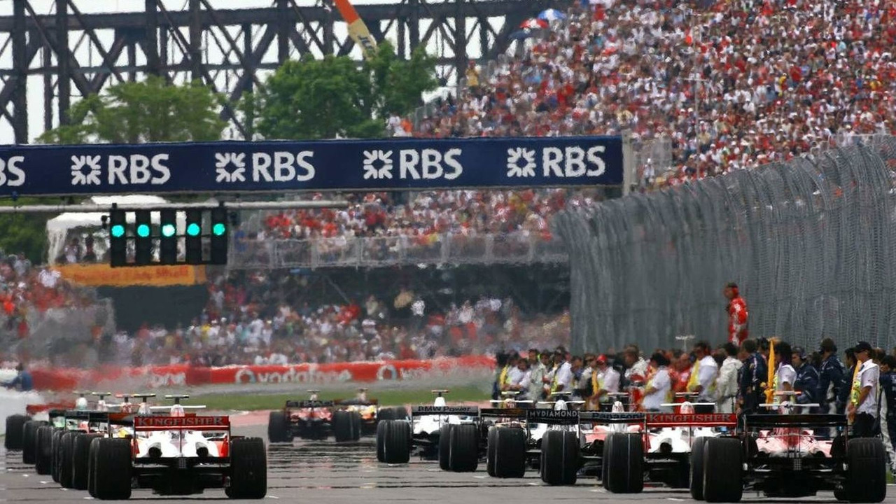 Montreal, Canada, grid atmosphere - Formula 1 World Championship, Rd 7, Canadian Grand Prix, Sunday Pre-Race Grid
