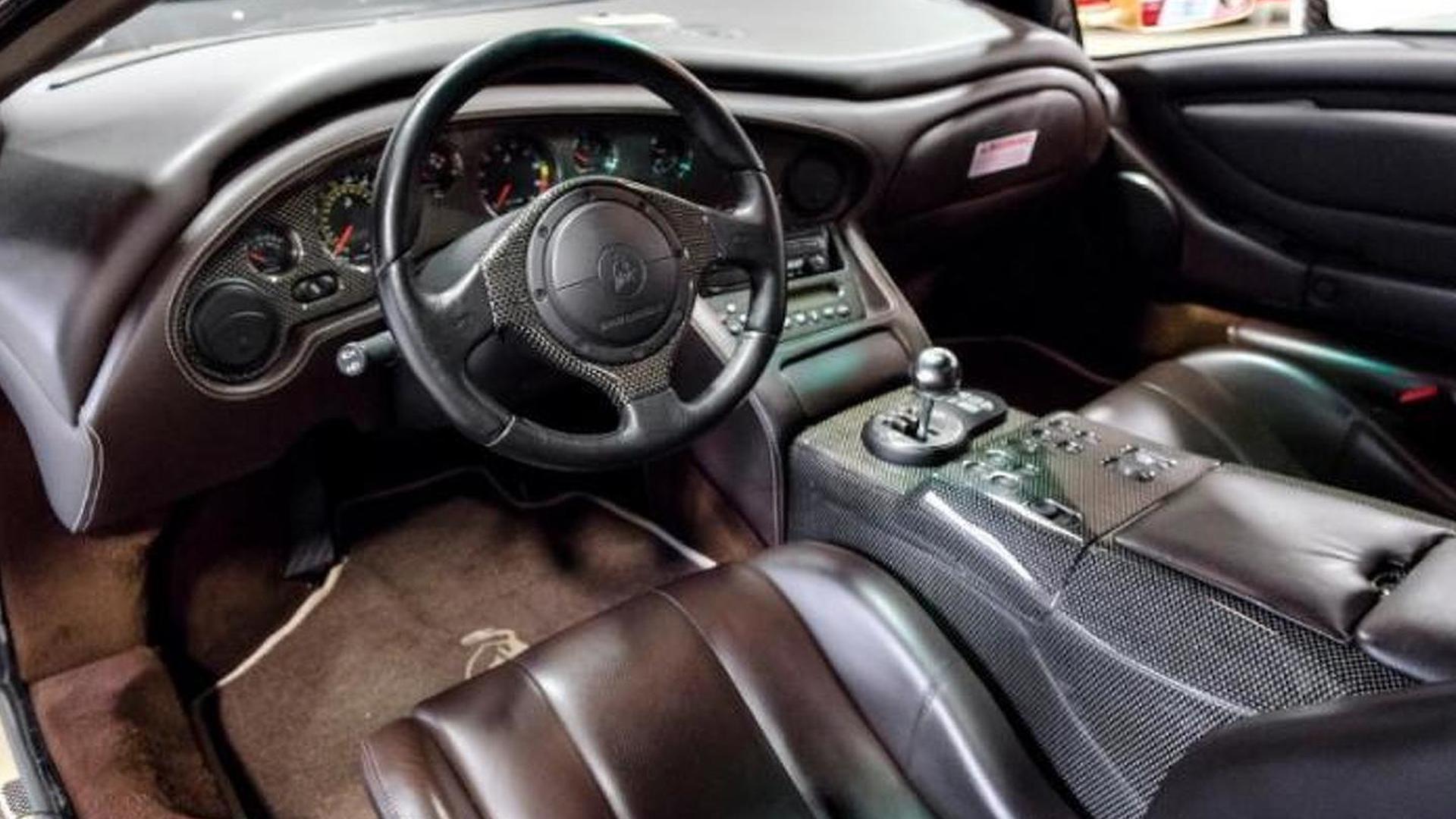 Коричневый салон Lamborghini Diablo 6.0 SE