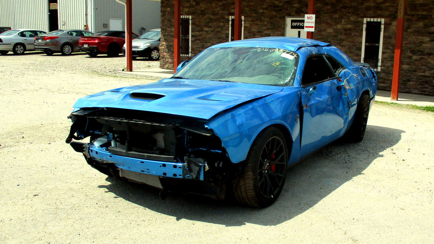 Dodge Challenger Hellcat Obliterated After Just 29 KM