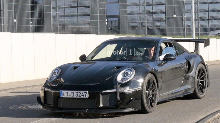 la future porsche 911 gt2 s 39 chauffe sur le n rburgring. Black Bedroom Furniture Sets. Home Design Ideas