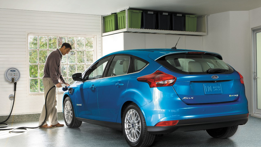 Ford Focus Electric 2017: sale de la ciudad