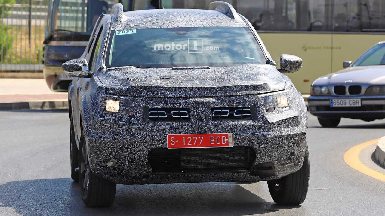 2018 renault duster interiors. contemporary duster 2018 dacia duster spy photo 10 photos and renault duster interiors