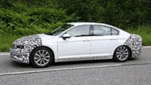 2019 VW Passat Euro spec facelift spy photo