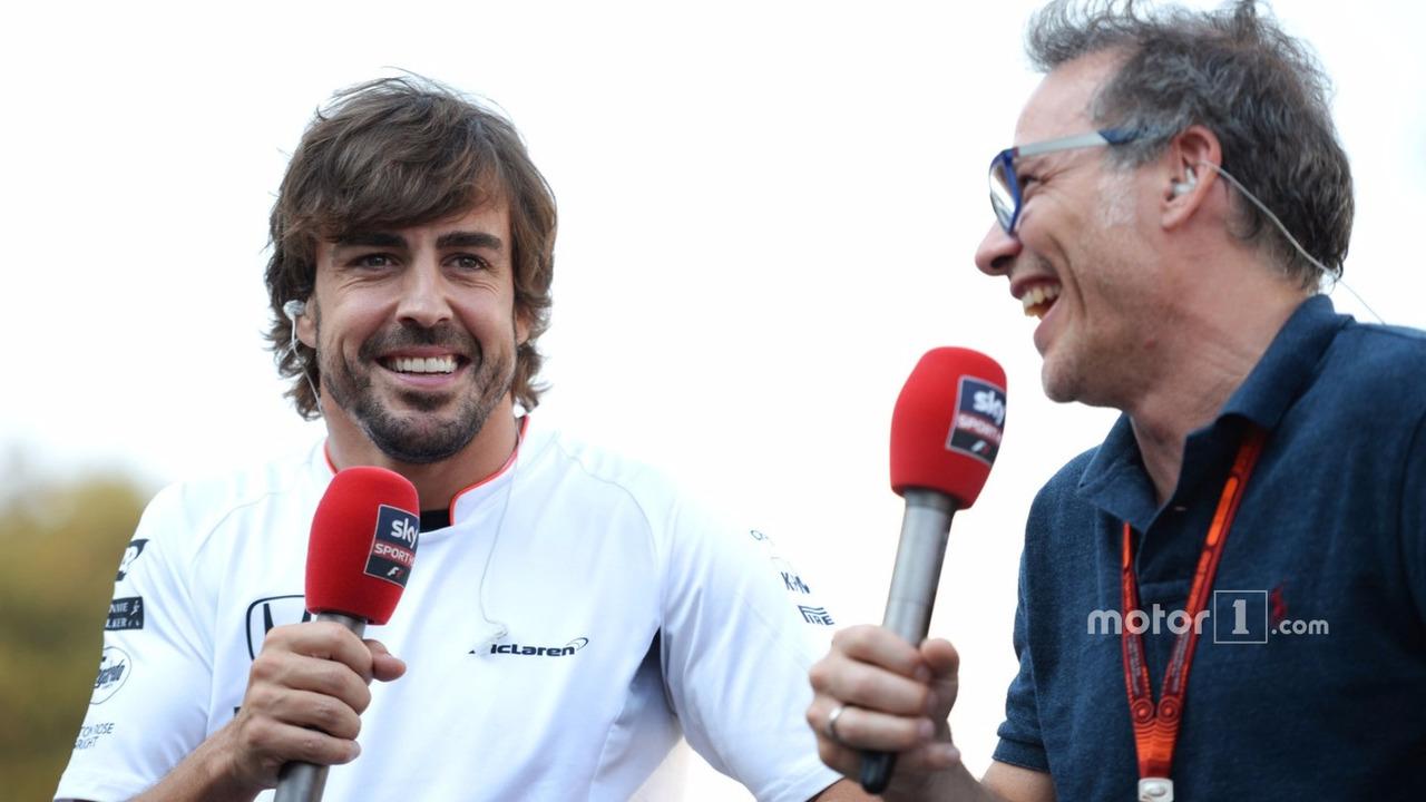 Fernando Alonso (L) and Jacques Villeneuve (R)