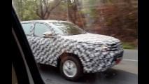Assim pode ser a nova geração da Toyota Hilux que chega em 2015