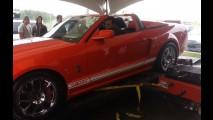 Vídeo: GT500 destrói (literalmente) um dinamômetro no Canadá