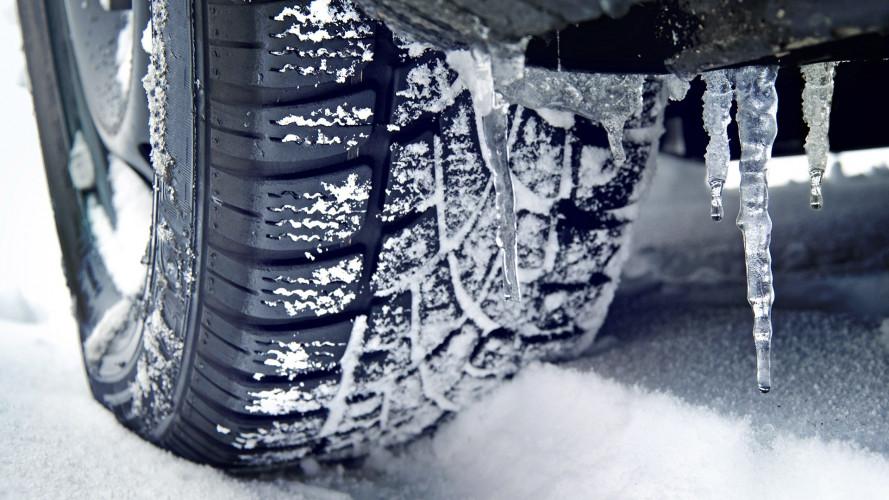 Gomme invernali, l'obbligo scatta il 15 novembre 2017