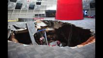 Museo Corvette: crolla il pavimento, inghiottendo splendide auto d'epoca