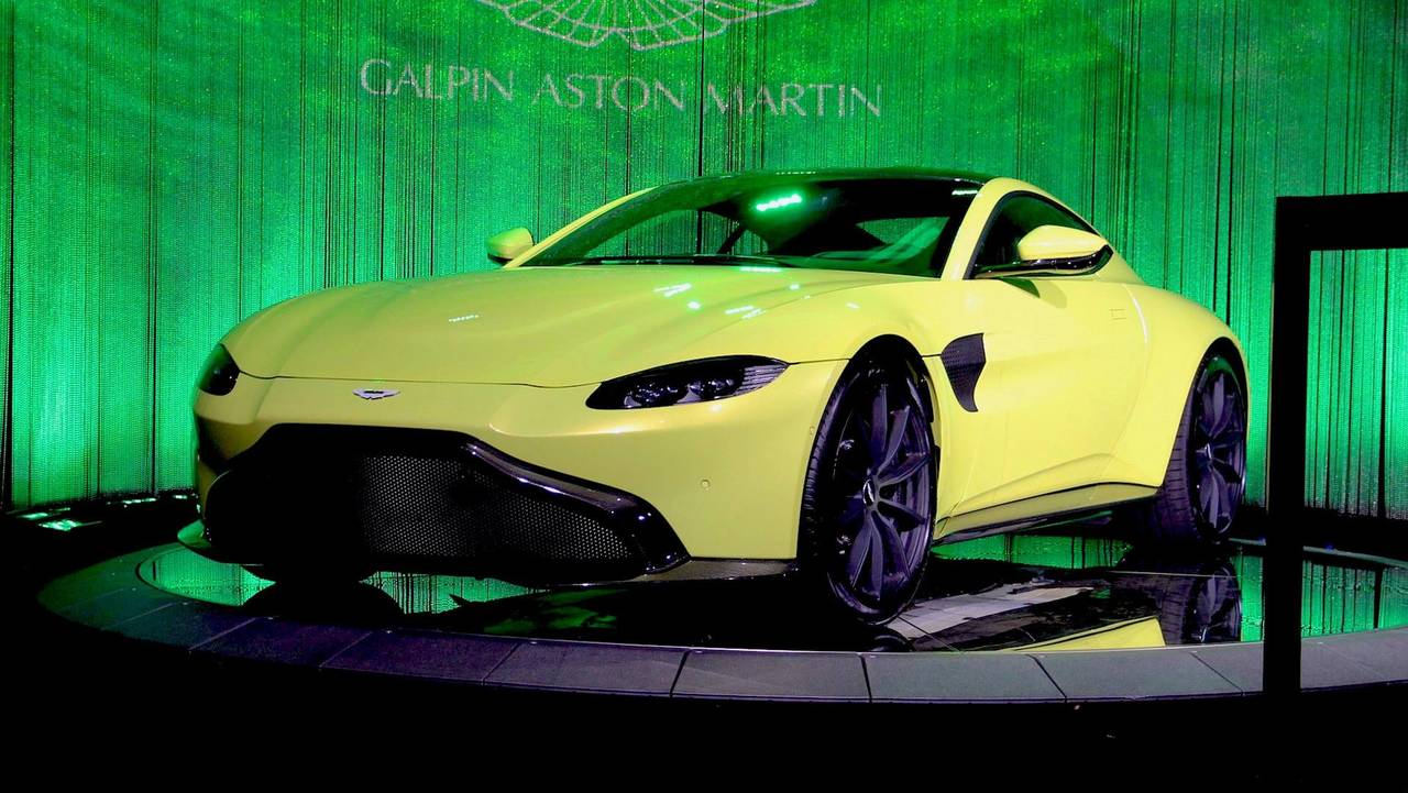 2018 aston martin vantage packs 503 hp in a lighter sexier body. Black Bedroom Furniture Sets. Home Design Ideas