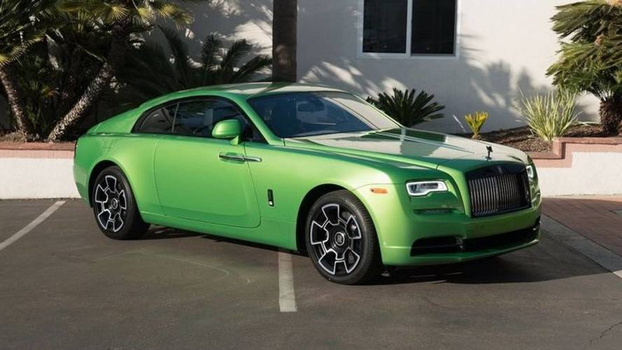 Rolls-Royce Wraith Painted In BMW-Esque Java Green Costs $411K