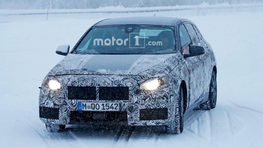 Nuova BMW Serie 1, le foto spia sulla neve