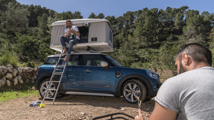 Kemping bárhol, bármikor: sátrat verhetsz az új  MINI Countrymanen