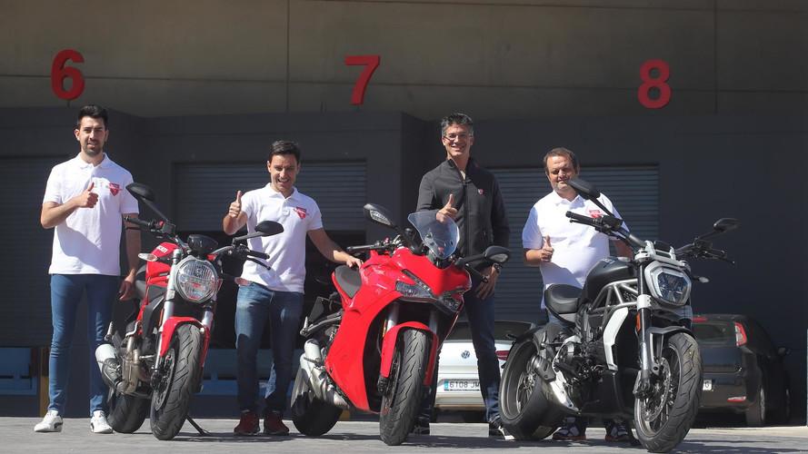 El 'stunt rider' Emilio Zamora, con nuevas Ducati 2017