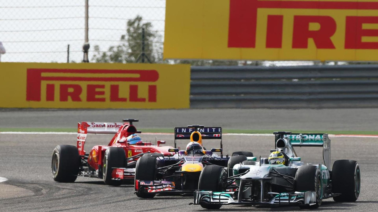 Nico Rosberg, Mercedes AMG F1 W04, Sebastian Vettel, Red Bull Racing RB9 and Fernando Alonso, Ferrari F138