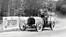 Camille Jenatzy at the wheel of a 90 hp Mercedes