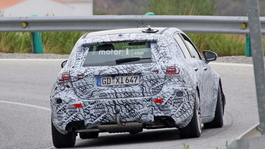 Mercedes-AMG A45 2018, fotos espía