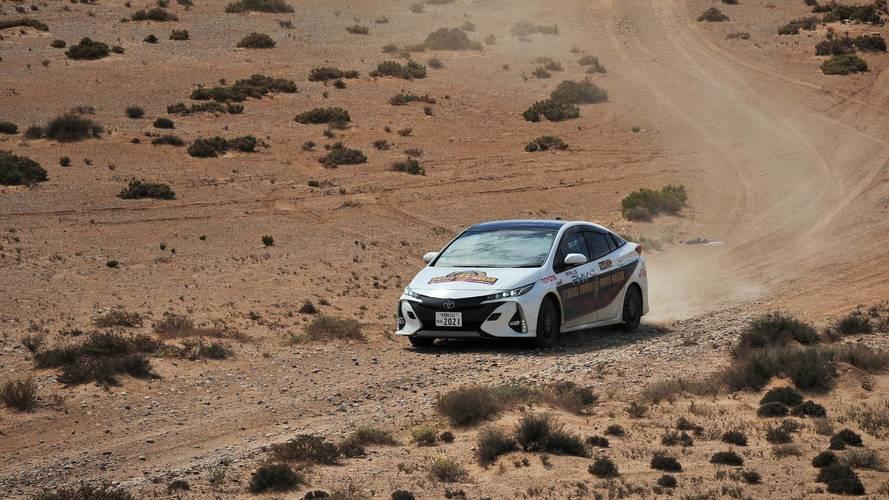 Une Toyota Prius hybride rechargeable réalise son Paris-Dakar