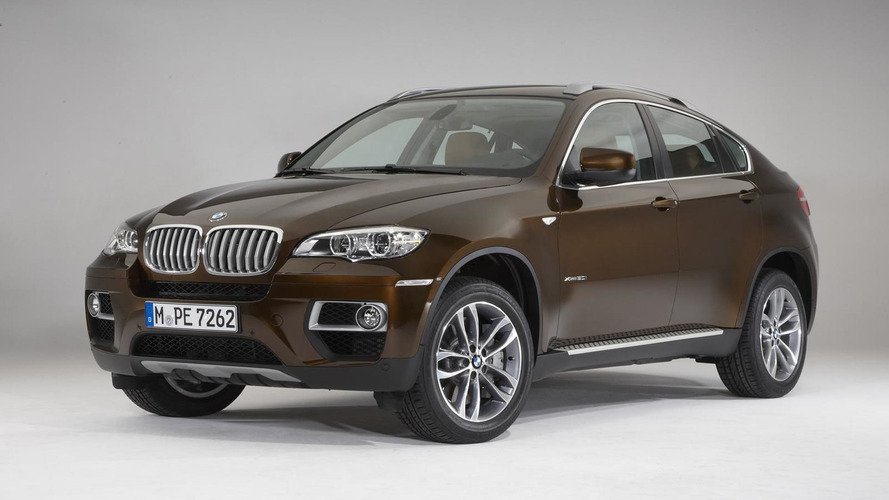 Drunk driver offers police officer BMW X6 as bribe