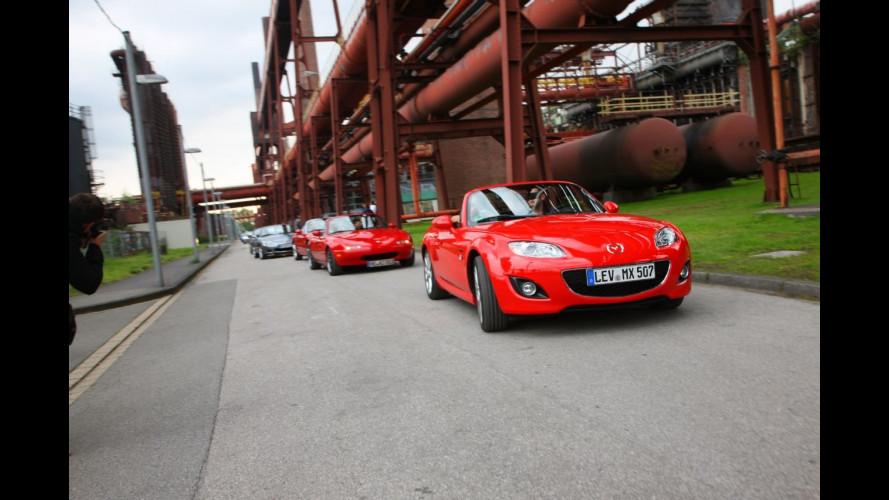 Mazda MX-5 Parade 2010: con 459 auto è record